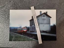 SNCF : Photo Originale Anonyme :autorail X 3600 ABJ4 En Gare De TREMOLAT (24) En Mars 1973 - Trains