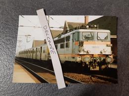 SNCF : Photo Originale Anonyme :locomotive électrique BB 16533 En Gare De HAZEBROUCK (59) - Trains