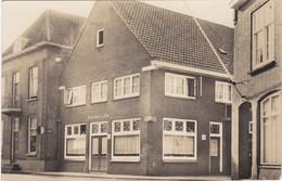 """LINGEWAARD. Lange Kerkstraat. Huissen. Hôtel-Café-Restaurant """"De Zon"""" - Otros"""