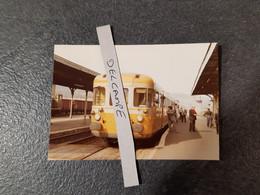 SNCF : Photo Originale Anonyme :autorail RGP Coté XR 7700 En Gare De LANGEAC (43) - Trains