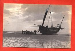- BERCK-PLAGE -  Carte Photos . Bateau à Marée Basse - Berck