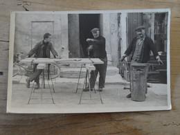 Carte Photo Bricolage Dans La Rue (Saint Remy De Provence??) ................ 842 - A Identificar