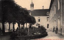 Thematiques 52 Haute Marne Bourbonne Les Bains Hopital Militaire Cour Côté Des Bureaux - Bourbonne Les Bains