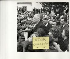 GENERAL DE GAULLE .VOYAGE PRESIDENTIEL EN BRETAGNE .7/8/9/10/11 SEPT 1960 .N°24 . - Famous People
