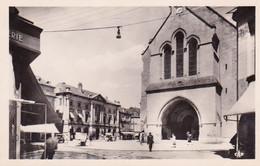 Animée Hotel De Ville Et Porche Eglise St Martin - Brive La Gaillarde