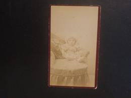 CDV Ancienne  Années 1880. Portrait D Un Bébé. PHOTOGRAPHE BLITZ À BERCK PLAGE - Anciennes (Av. 1900)