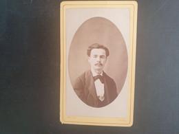 CDV Ancienne  Année 1891. Portrait D Un Homme Distingué. Photographe TELIGNE À DIGNE - Anciennes (Av. 1900)