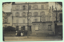 """232 - Carte Photo - Paris 14ème - Commerce """" Aux Prévoyants - Tout à Crédit """" - Localisé 84 Rue D'Alésia - Animée - Paris (14)"""