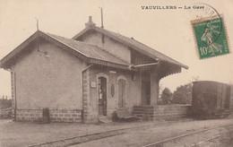 CPA:VAUVILLERS (70) LA GARE..ÉCRITE - Sonstige Gemeinden