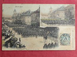 CPA VOSGES 88 SANT DIE - RUE THIERS REVUE DU 14 JUILLET - Carte Postale Ancienne - Saint Die