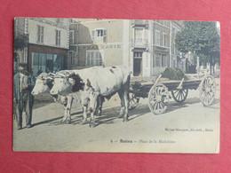 CPA VOSGES 88 BAINS LES BAINS - PLACE DE LA MADELEINE -animée - ATTELAGE DE BOEUFS   - Carte Postale Ancienne - Bains Les Bains