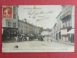 CPA VOSGES 88 REMIREMONT - RUE DE LA XAVEE PRISE DE LA PLACE DE LA COURTINE - Carte Postale Ancienne - Remiremont
