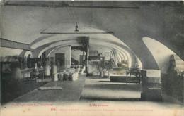 CPA 12 Aveyron Roquefort Industrie Du Fromage Une Salle D'Expédition - Roquefort