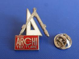 Pin's Arthus Bertrand - Architecture - équerre Compas Magazine ? Plan Architecte ? (AA9) - Arthus Bertrand