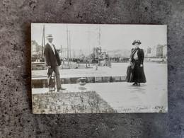 CARTE POSTALE ANIME PHOTO CP DIEPPE PORT BATEAU GUERRE  MODE 1910 BE - Fashion