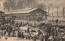 Dep 37 , Cpa TOURS , 105 , Le Marché Aux Bestiaux (18959) - Tours