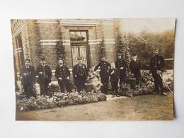 Carte Photo Militaires Devant Maison / Dampremy (photographe Mathet) Vers 1914 - Charleroi
