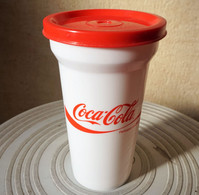GOBELET EN PLASTIQUE COCA COLA - 15 Cm De Hauteur - Tasses, Gobelets, Verres