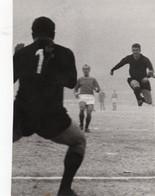 "MILAN LAZIO 1966 - UN ""INUTILE"" TIRO A RETE DI SORMANI - Foto Originale Cm 13,00x18,00 - Sport"