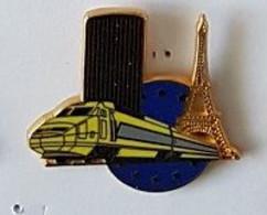 Pin's  SNCF, TGV  Jaune  Avec  TOUR  EIFFEL   Verso  Ballard, Doré Or Fin  Et  Lessin  Ligneron ? - TGV