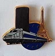 Pin's  SNCF, TGV  Gris  Avec  TOUR  EIFFEL   Verso  Ballard, Doré Or Fin  Et  Lessin  Vigneron ? - TGV