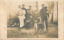 17 - CLERAC - Carte Photo De L'Hopital Militaire En 1915 - Infirmiers Et Petit Canon De 75 - Altri Comuni