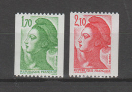 FRANCE / 1984 / Y&T N° 2321/2322 ** : Liberté (1F70 & 2F10) Roulette Sans N° Rouge - Gomme Semi-brillante X 1 Paire - Neufs