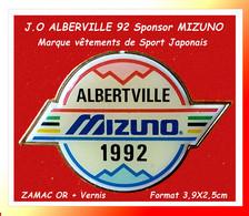 """SUPER PIN'S J.O ALBERVILLE 92 : SPONSOR """"MIZUNO, Marque De Vêtements De Sport Japonais, Zamac Vernissé Or  3,9X2,5cm - Giochi Olimpici"""