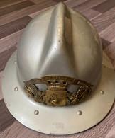 Casque De Pompier - Douvaine - Haute Savoie - Frais De Port Offerts - Headpieces, Headdresses