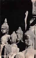 VINTAGE POSTCARD -- HOA-GUY 1949 - CAMBODGE - ANGKOR-VAT - DIVINITÉS - ETS BOY-LANDRY, SAÏGON    (õ‿õ)  ♥ - Cambodja