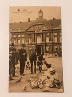 Carte Postale Ancienne  (1933)   Liège  LLes Pigeons De La Place St-Lambert - Liege