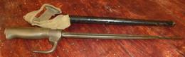 Poignard De Tranchée Sur Base Lebel Avec Son étui Et Sangle - Knives/Swords