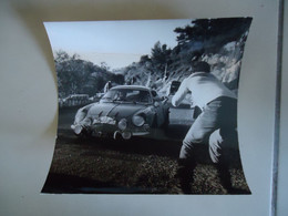 Photo De Presse - ALPINE RENAULT A110 # 12 - RALLYE MONTE CARLO 1971 - BERNARD DARNICHE - Cars