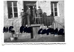 08 050 AUVILLERS LES FORGES SOLDATS ALLEMANDS 1940 / 1944 - Sonstige Gemeinden