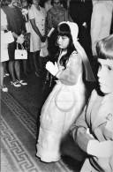 RELIGION CHRISTIANITY FIRST COMMUNION - GIRL Praying - Big Photo 17x11cm 1960' - Autres
