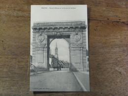 BEAUNE / Porte St Nicolas Et Le Clocher Du St Coeur - Beaune