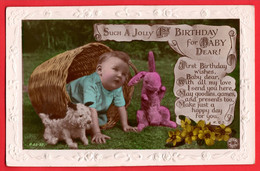 BABY WITH TOY DOG AND RABBIT - Gruppi Di Bambini & Famiglie