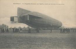 54 - LUNEVILLE - Le Dirigeable Allemand , Type Zeppelin Atterrit Sur Le Terrain De Manœuvres - Luneville