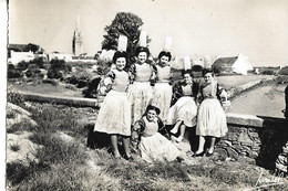 CPA  PONT L'ABBE 29 : Costumes Bigouden  1953 - Trachten