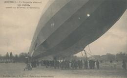 54 - LUNEVILLE - Un Dirigeable Allemand  Type Zeppelin, Atterrit Sur Le Terrain De Manœuvres. - Luneville