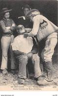 56  .n°  107444 .  Baud .metier .barbier Breton .anciens Costumes De Baud . - Baud