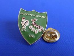 Pin's Rugby France Afrique Du Sud 1992 - FFR Springbok - Fédération Française De Rugby Tournoi Match - Coq (PJ23) - Rugby