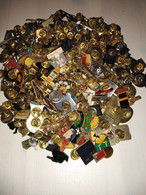 Lot D'environ 300 Pin's Divers Et Variés - Lotti