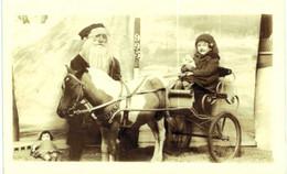 Thème - Père Noël - Attelage - Enfant Avec Poupée - Carte Photo - Other