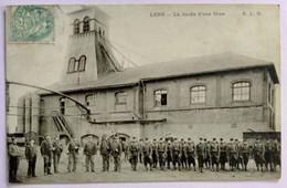Carte Postale Ancienne -LENS -La Garde D'une Mine - Bergbau