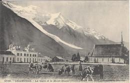74 CHAMONIX MONT BLANC GARE PLM SNCF DES  VACHES PAISSENT PRES DU TEMPLE PROTESTANT LIGNE A VOIX METRIQUE GILETTA 8538 - Chamonix-Mont-Blanc