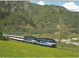 Carte Postale Amis Du Rail Du Forez: Ligne De St Georges D'Aurac St Etienne Train Pour Lourdes, BB 67581 X 67469 1996 - Trenes