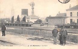 Marennes           17          Intérieur De La Gare.  Eolienne       (voir Scan) - Marennes