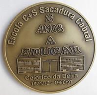 Portugal Medalha Celorico Da Beira Escola C+S Sacadura Cabral, 25 Anos 1971/1972 – 1996/1997 - Professionals / Firms