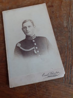 MANN IN DEUTSCHLAND DAZUMAL - SPANDAU - POTSDAM - BERLIN W. - EMIL SCHROETER - OFFIZIER MIT AUSZEICHNUNG - KORDEL - Guerra, Militares